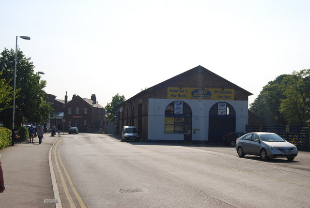 Bed Warehouse, Station Approach