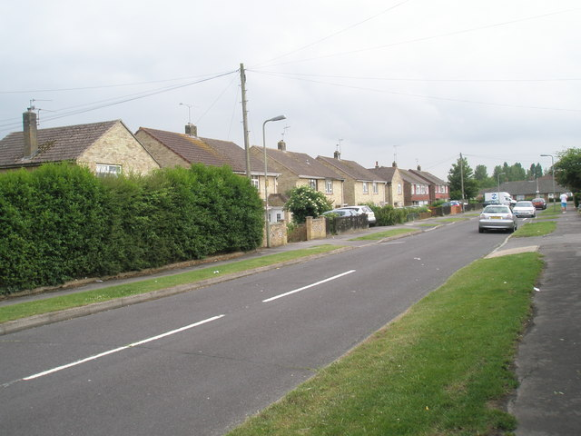 Looking south-west down Kelly Road