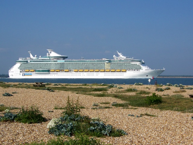 Independence of the Seas off Calshot Spit