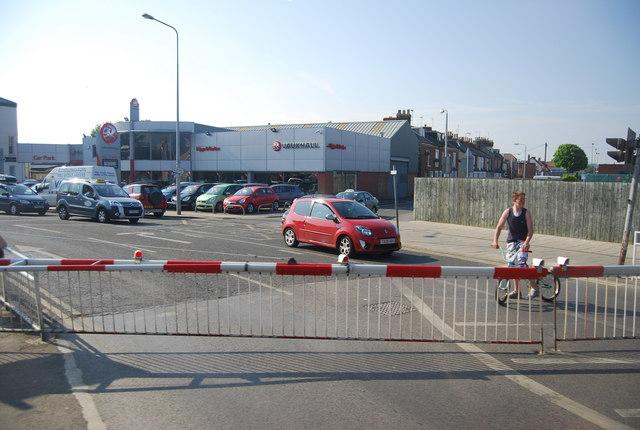 Quay Rd level crossing