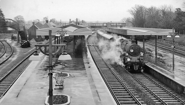 Brockenhurst Station, with train
