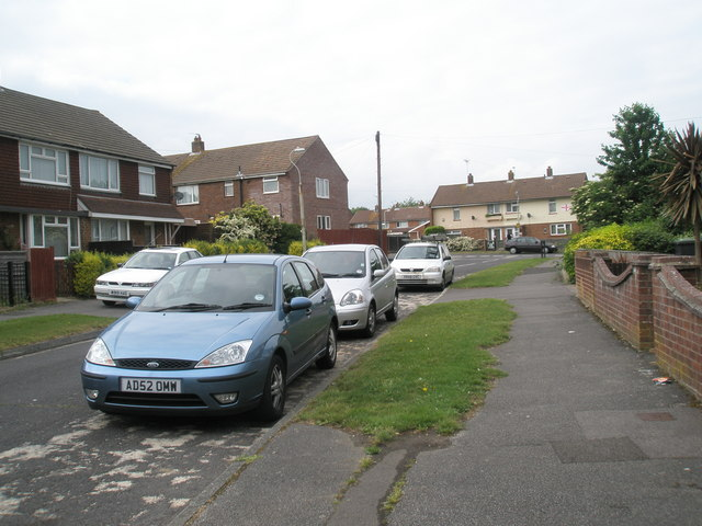 Looking along Hamble Lane towards Vian Road