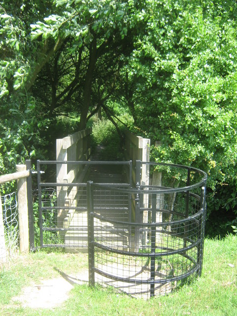 Footbridge and kissing gate on the Saxon Shore Way