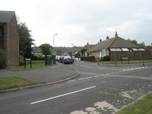 Junction of Cowan Road and Hamble Lane