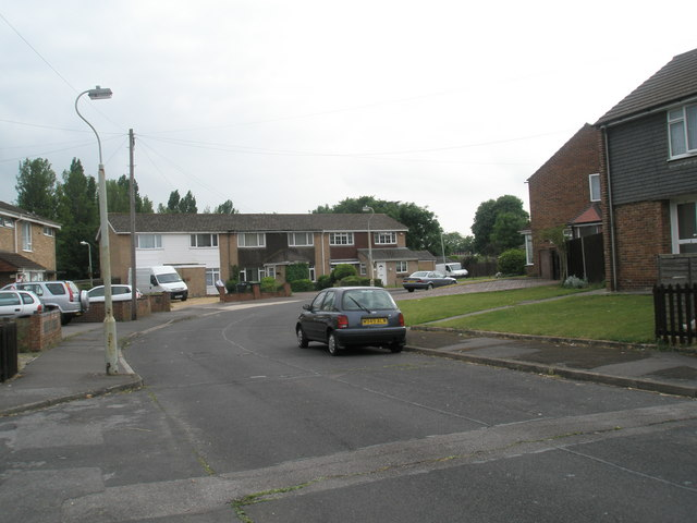 Bend in Boyle Crescent
