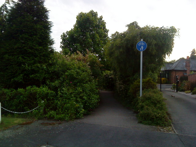 Cycle path through The Chancery