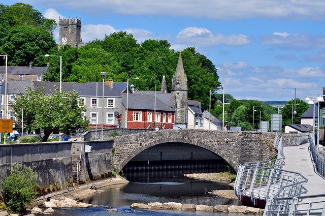 The old bridge, two towers and walkway - Bridgend