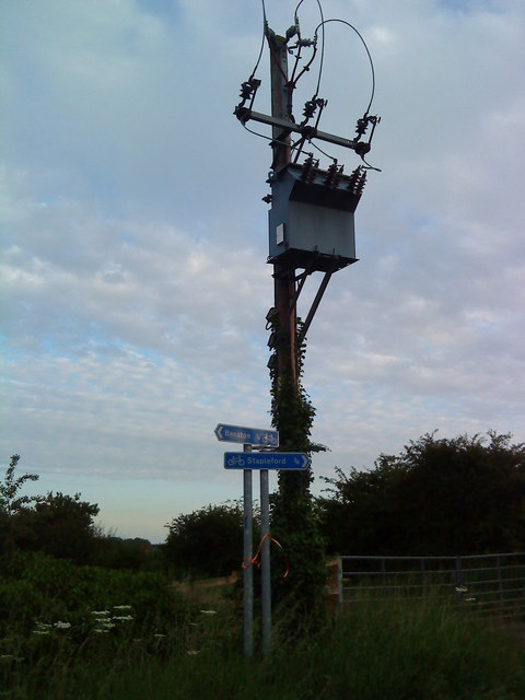 Electricity pole on Common Lane