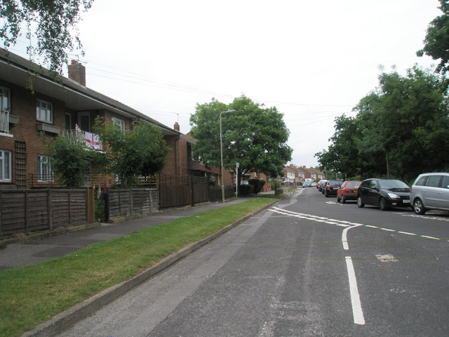 Road junction within Cunningham Road