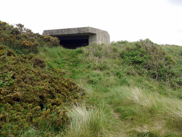 WWII gun emplacement, Budle Bay