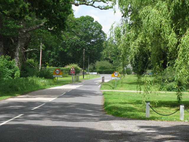 Pickhurst Road entering Chiddingfold