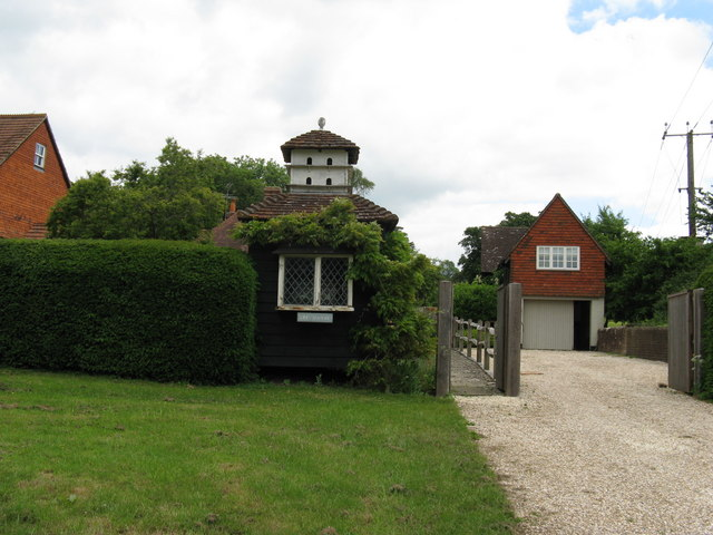 Penthouse accommodation for doves in Chiddingfold