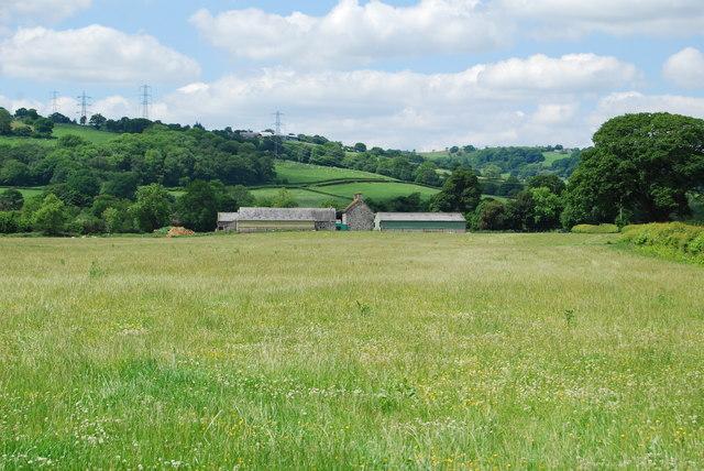 Farmhouse and buildings at Plas-yn-ddôl