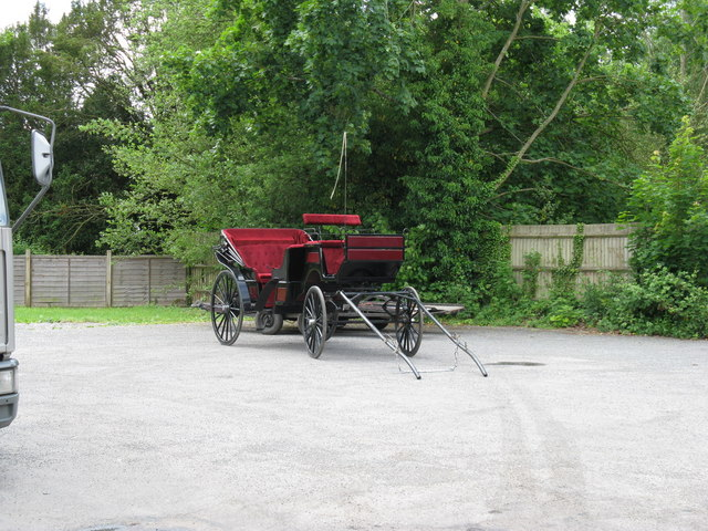 Horseless carriage in the Swan Inn car park