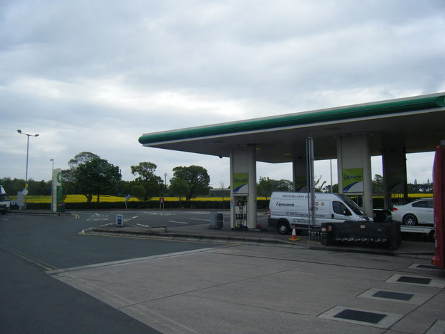 Knutsford Services Filling Station (Southbound)