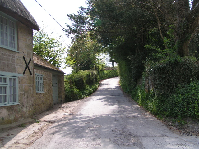 Lane looking west from the well at Donhead St Mary