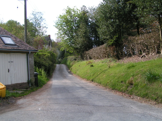 Cycle route heading north west from the well at Donhead St Mary
