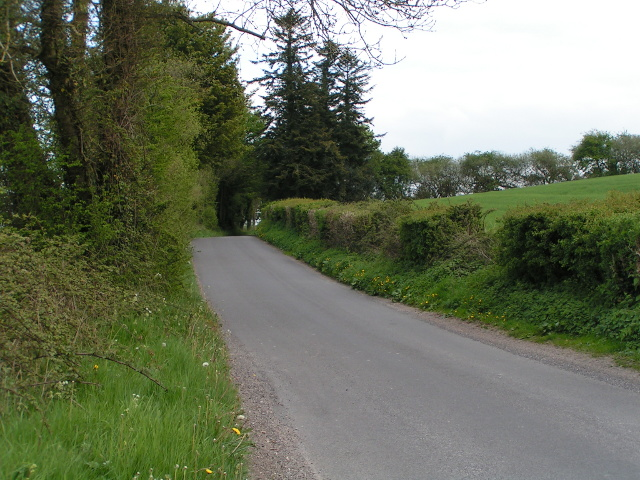 Cycle route 20 heading east near Ferne