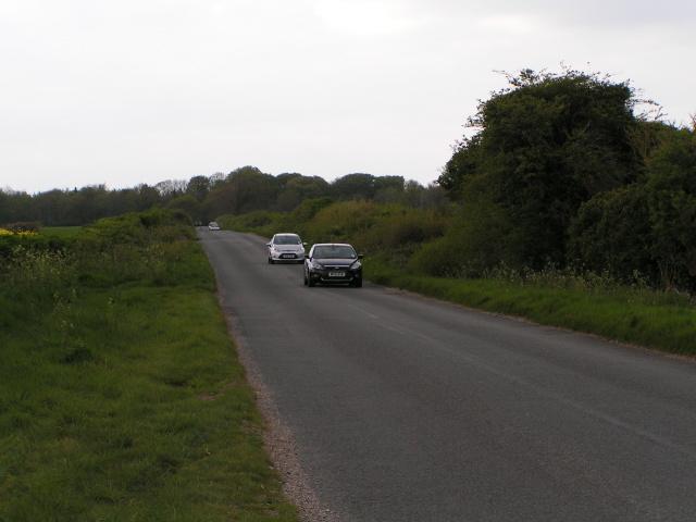 Cycle route 20 heading north towards Salisbury