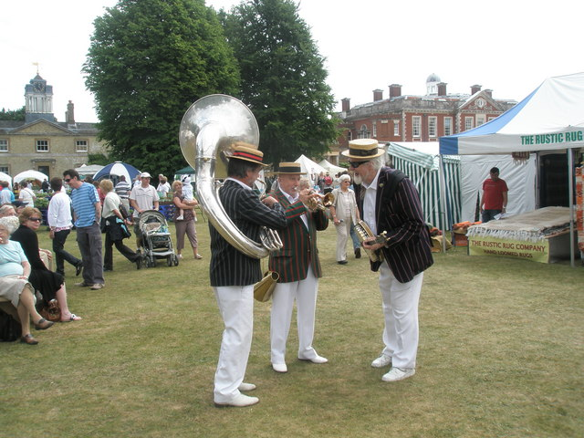 Musicians tuning up at the 2010 Stansted House Garden Show