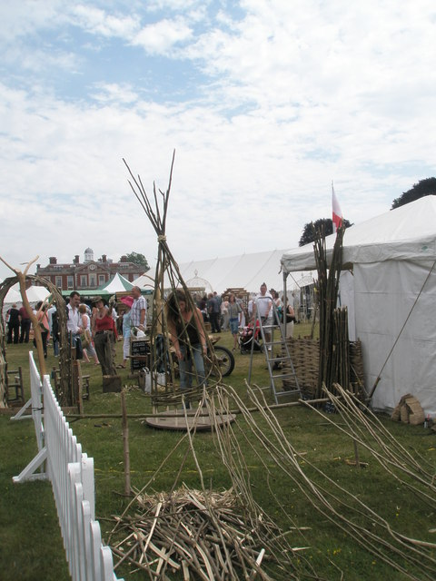2010 Stansted House Garden Show - teepee making demonstration