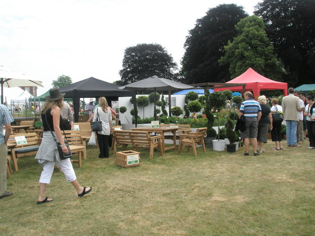 2010 Stansted House Garden Show- plant stall (13)