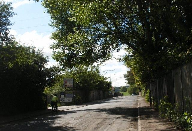 Approaching Ravensthorpe Station