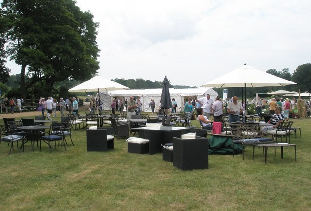 2010 Stansted House Garden Show (55)
