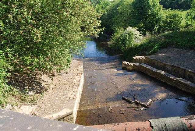 Weir at Newby Bridge