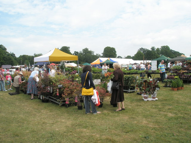 2010 Stansted House Garden Show- plant stall (17)