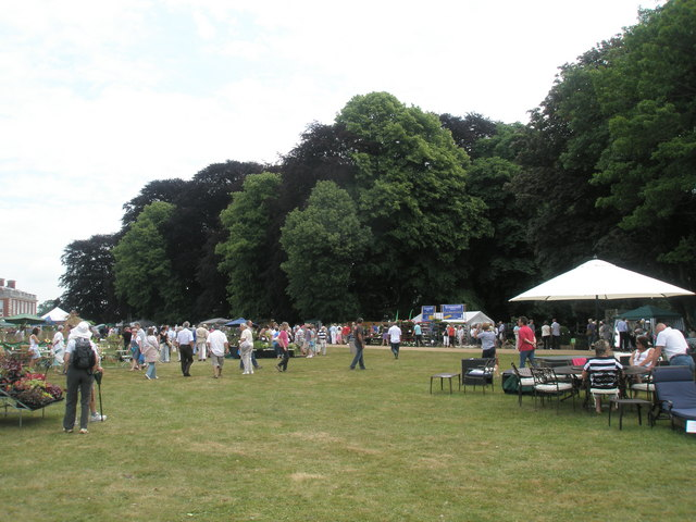 2010 Stansted House Garden Show (57)