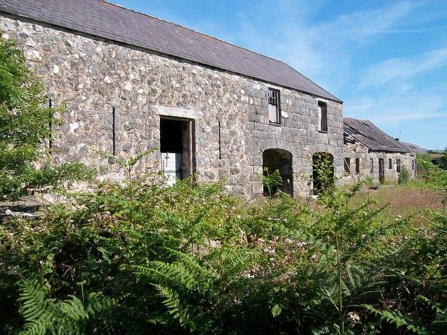 Traditional farm buildings at Fferm Cromlech Farm