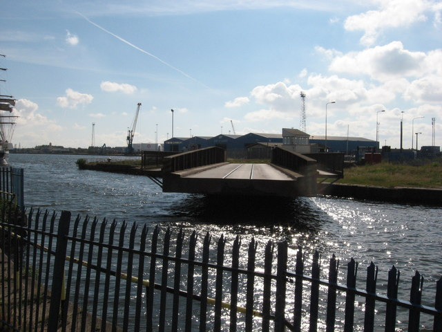 Swing bridge, Port of Cardiff