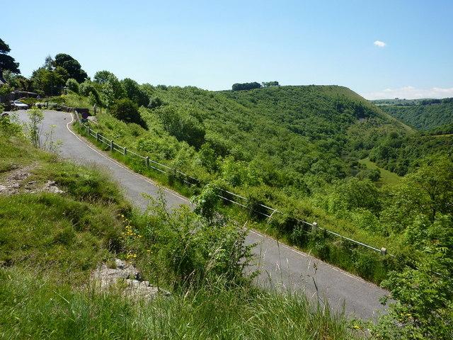 Lane from Cressbrook approaching Monsal Head