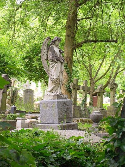 Angel, Highgate Cemetery