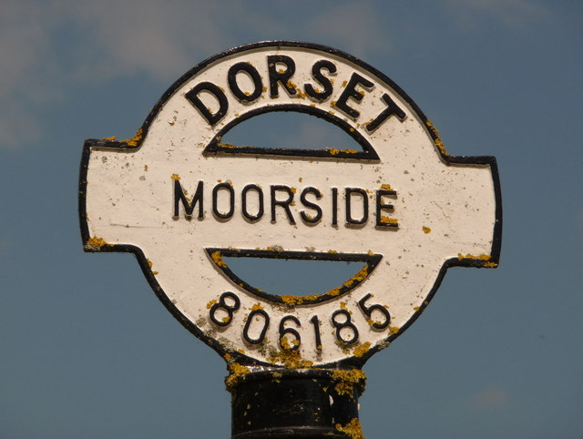 Marnhull: detail of Moorside finger-post