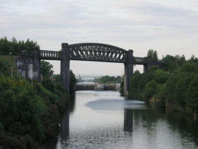 Railway bridge and Latchford locks