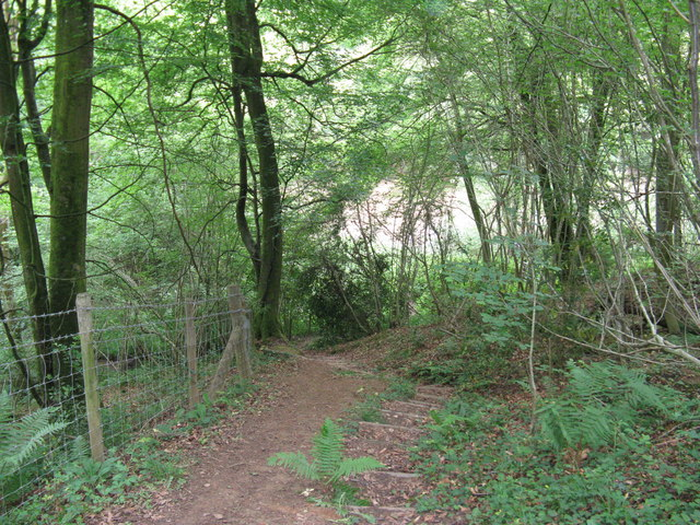 Steep descent to Roaringpond