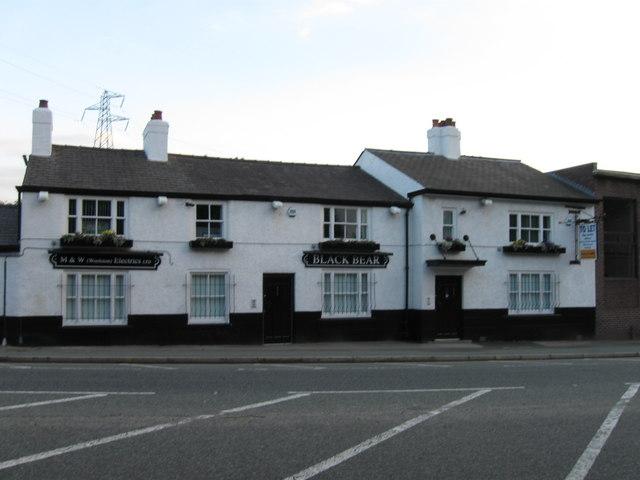 Black Bear, Knutsford Road