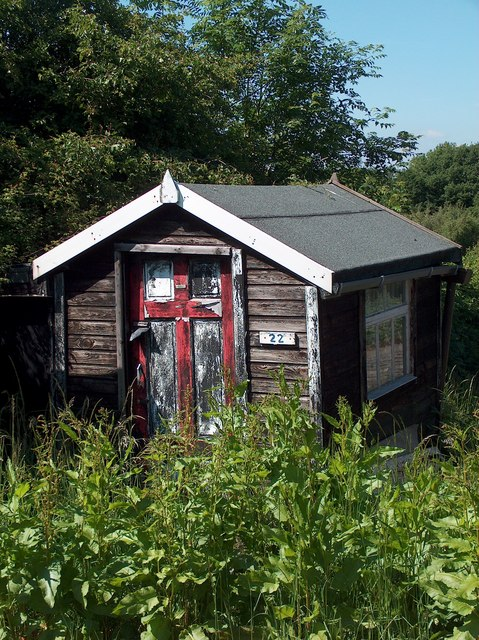 Neglected allotment hut adjacent to Meersbrook Park