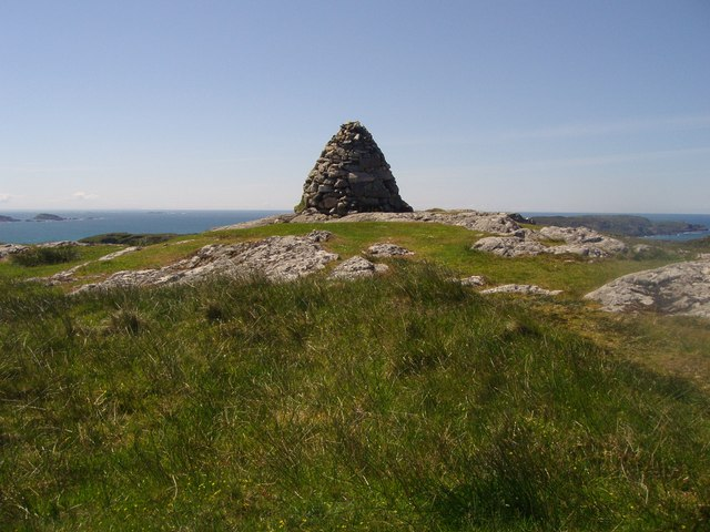 Dun I's summit cairn
