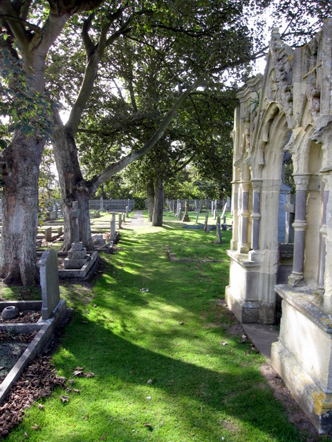 St Oswald's, Filey - churchyard