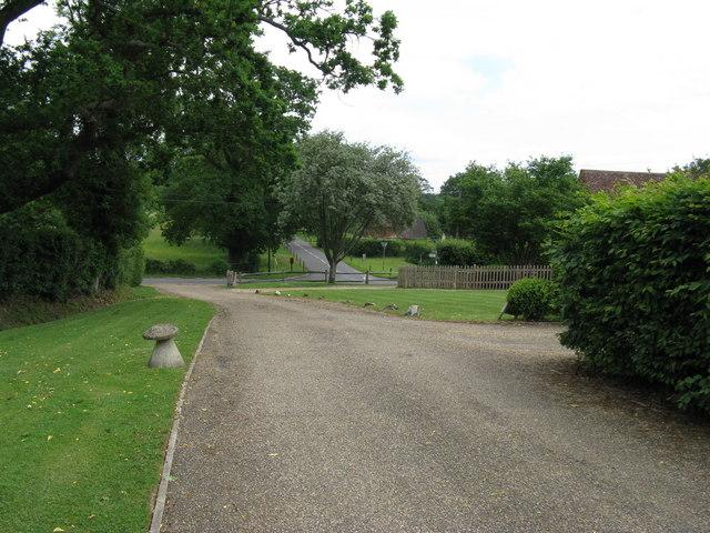 Footpath emerging onto Pickhurst Road
