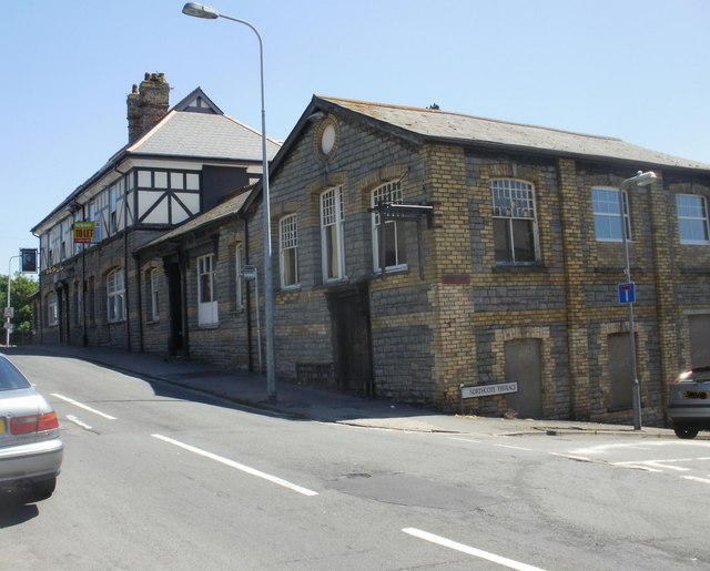 The Admiral pub to let, Cadoxton