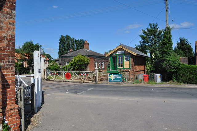 Harling Road Level Crossing and Station