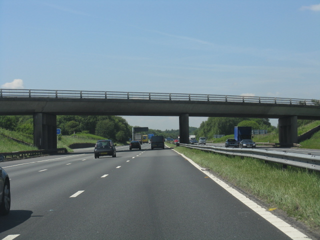 M62 Motorway - B5212 overbridge
