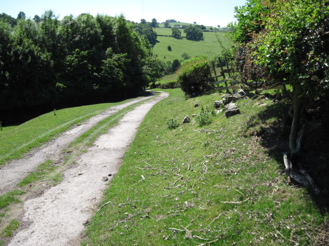 Footpath from Thorpe towards Coldwall Bridge