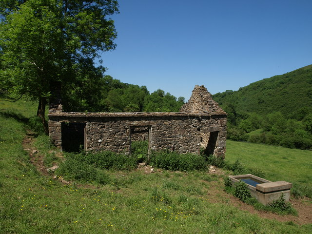 Derelict farm building in Hamps Valley
