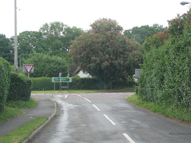 Road junction in Tiddington