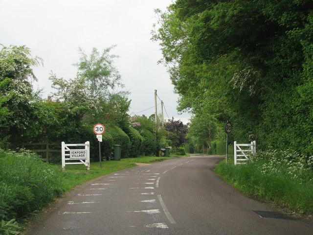 Approach to Ickford Village